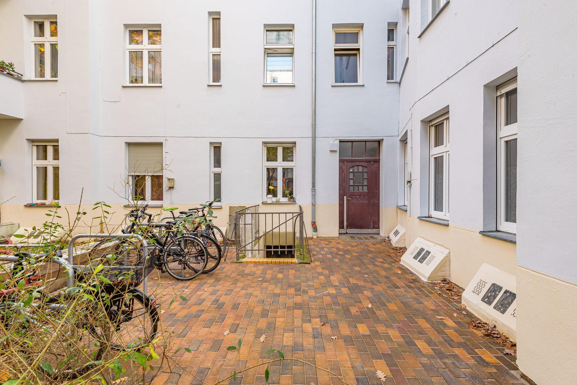 Elb6 - Innenhof