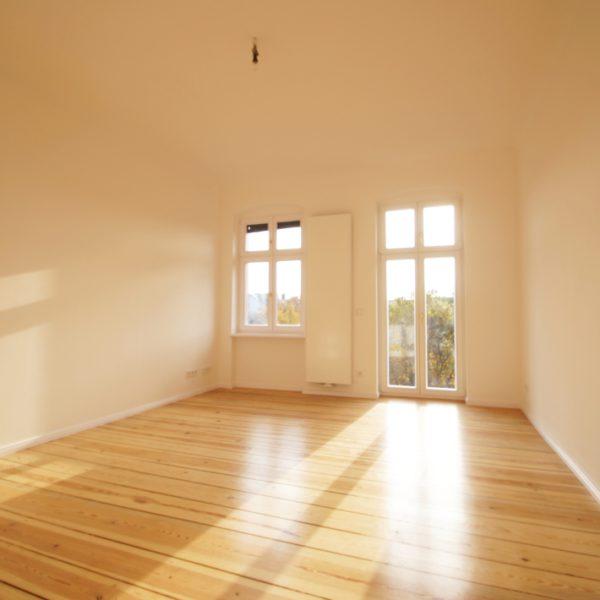 renovierte Wohnung 4.OG